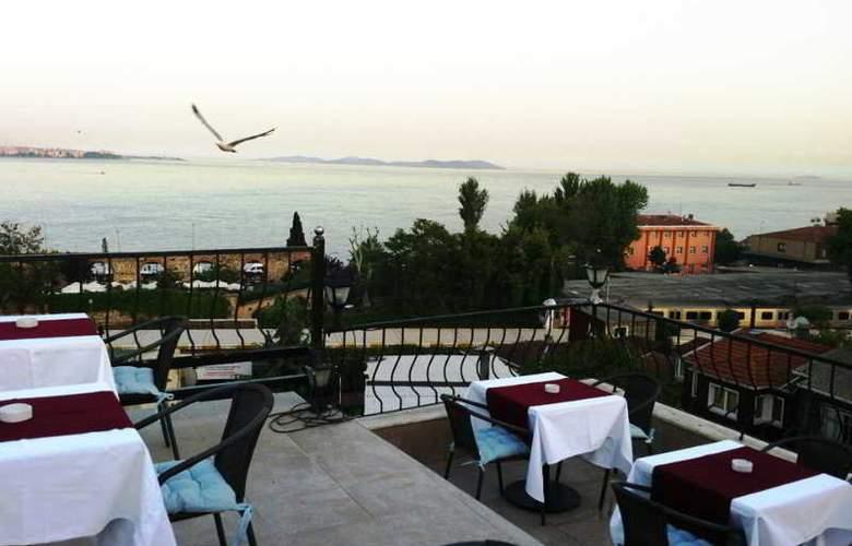 Spinel Hotel - Terrace - 2