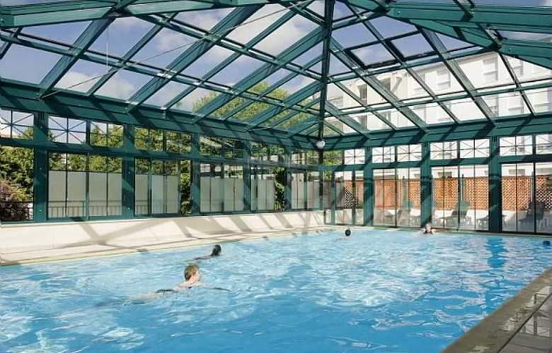 Pierre et Vacances la Rochelle Centre - Pool - 15