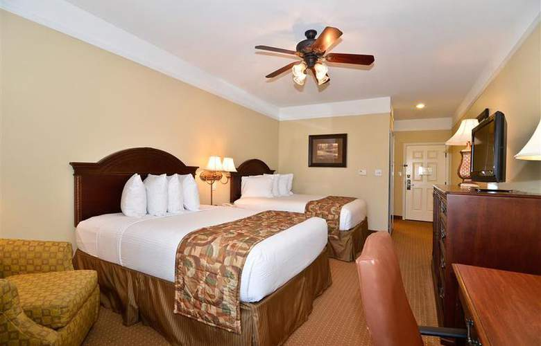 Best Western Plus Monica Royale Inn & Suites - Room - 131