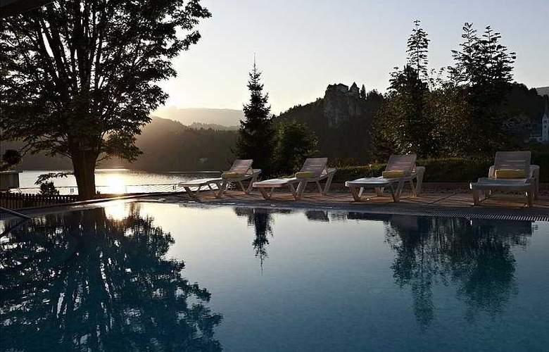 Rikli Balance Hotel - Pool - 7