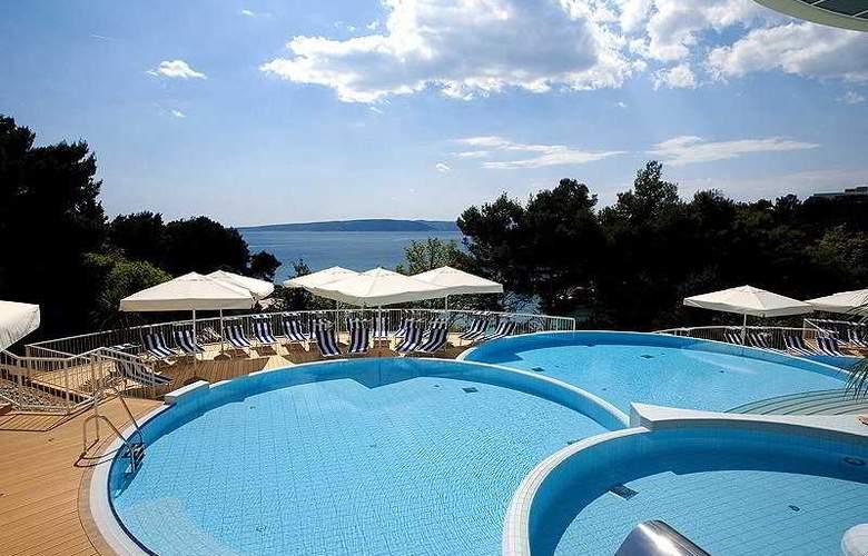 Valamar Koralj Hotel - Pool - 6