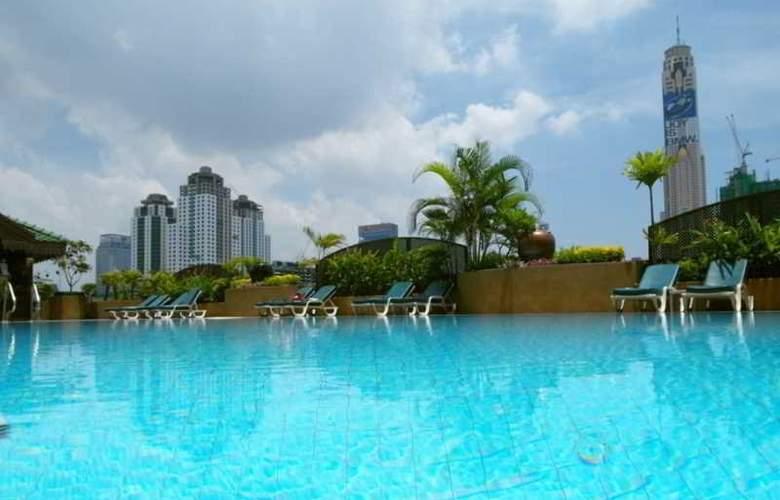 Ramada D' Ma Bangkok - Pool - 10