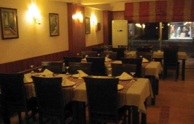 Life - Restaurant - 9