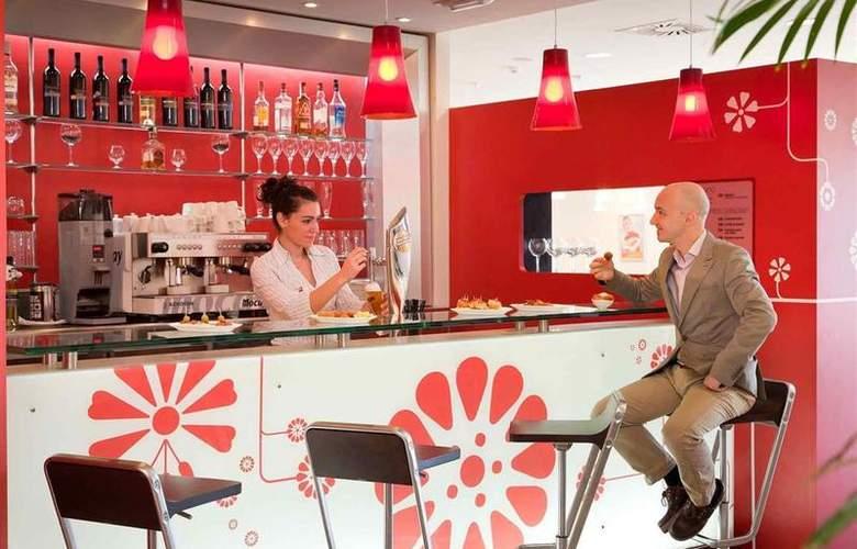 Ibis Oviedo - Bar - 16