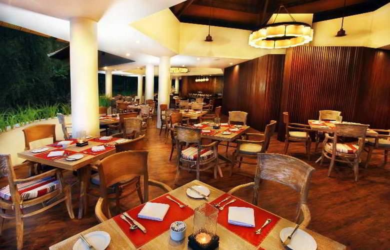 Prime Plaza Suites - Restaurant - 9