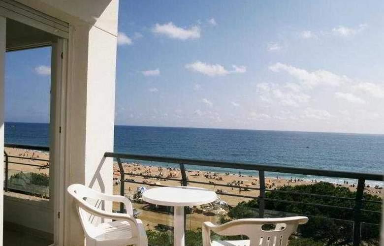 Tahiti Playa Suites - Terrace - 3
