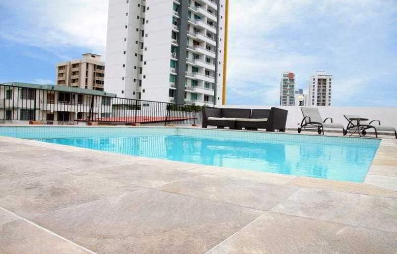 Wyndham Garden Panama Centro - Pool - 4