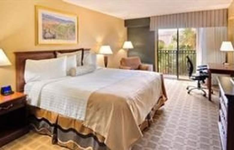 Wyndham Garden Hotel - Room - 5