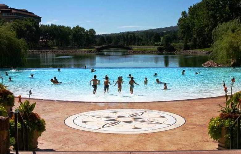 The Broadmoor Hotel - Pool - 3