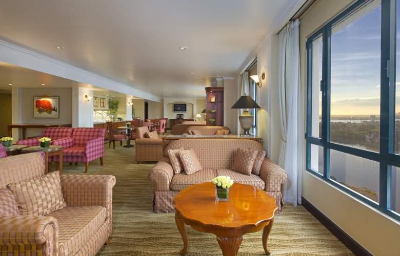Sheraton Hanoi Hotel - Bar - 52