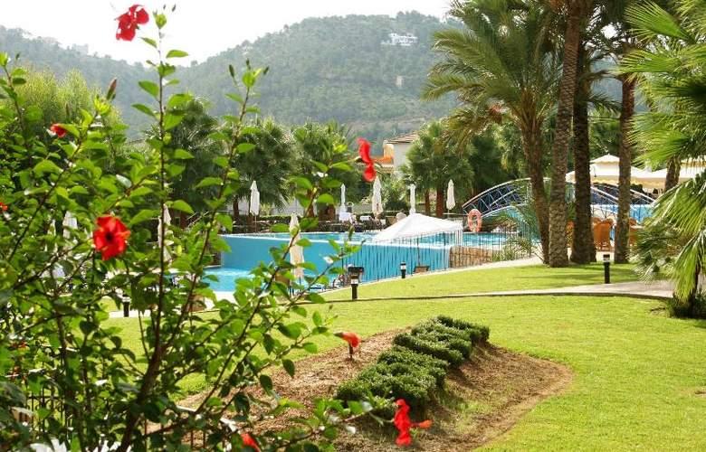 Mon Port Hotel Spa - Terrace - 215
