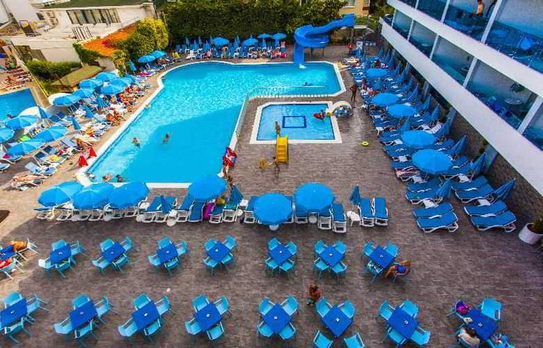Avena Resort & Spa Hotel - Hotel - 8