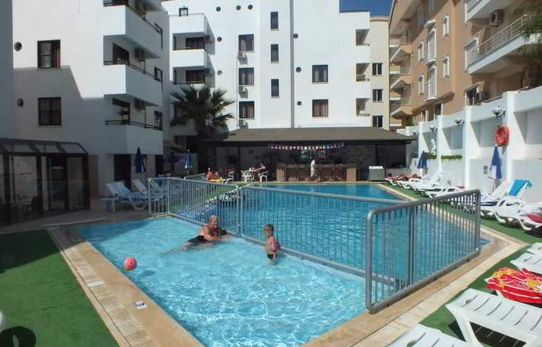 Tuntas Apartment Altinkum - Hotel - 0