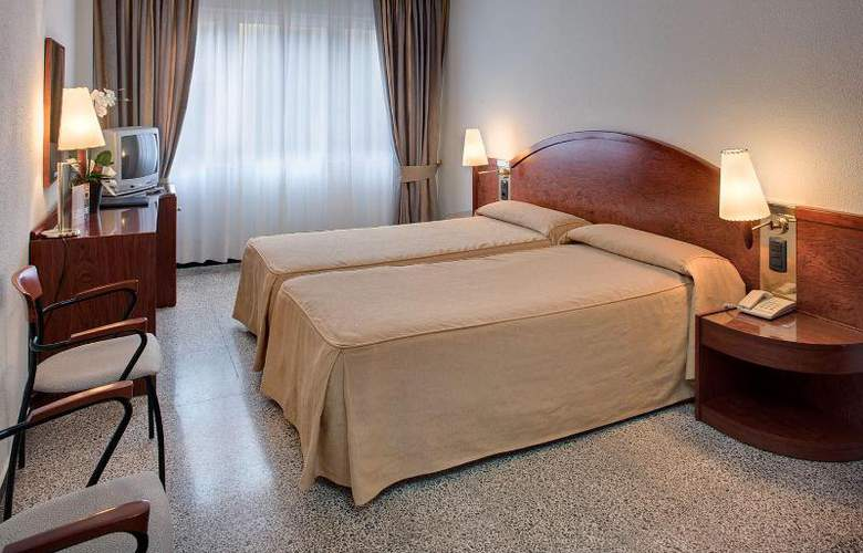 Gaudi - Room - 9