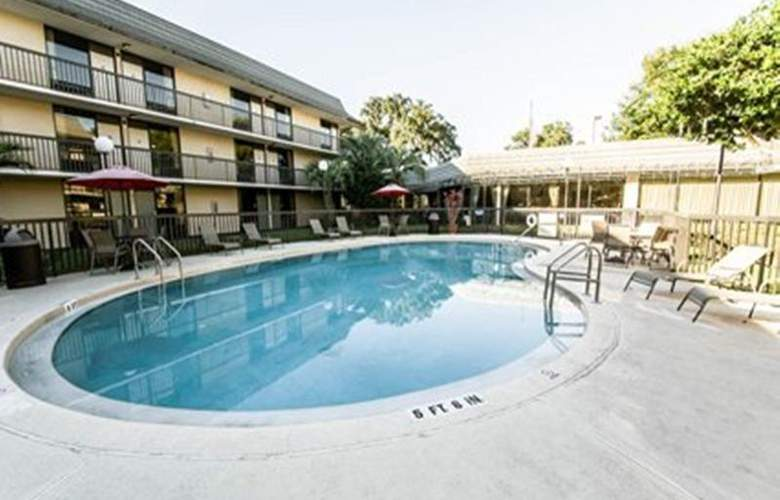 Hampton Inn Ocala - Pool - 25