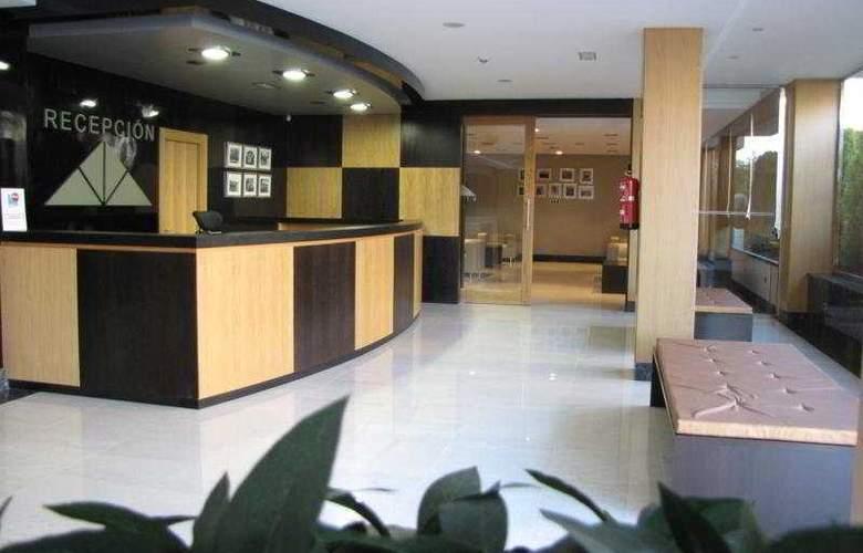 Maritimo Ris Apartamentos - General - 3