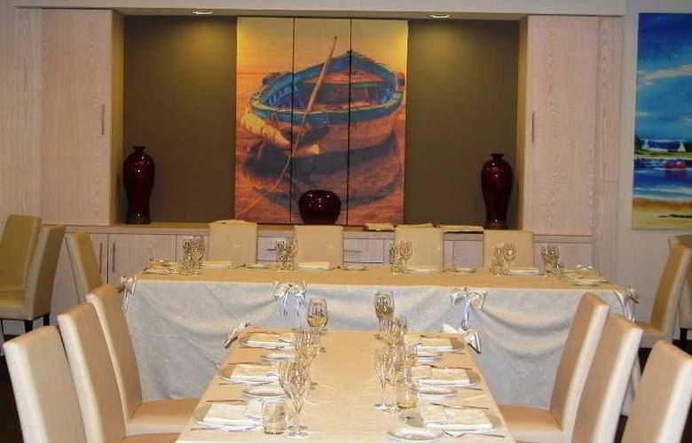 Viola Palace Hotel - Restaurant - 17