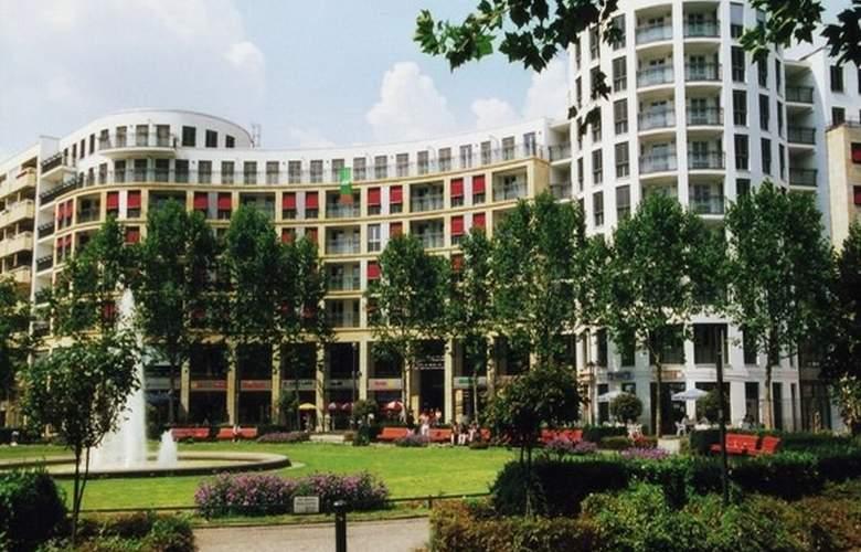 Ramada Plaza Berlin - Hotel - 1