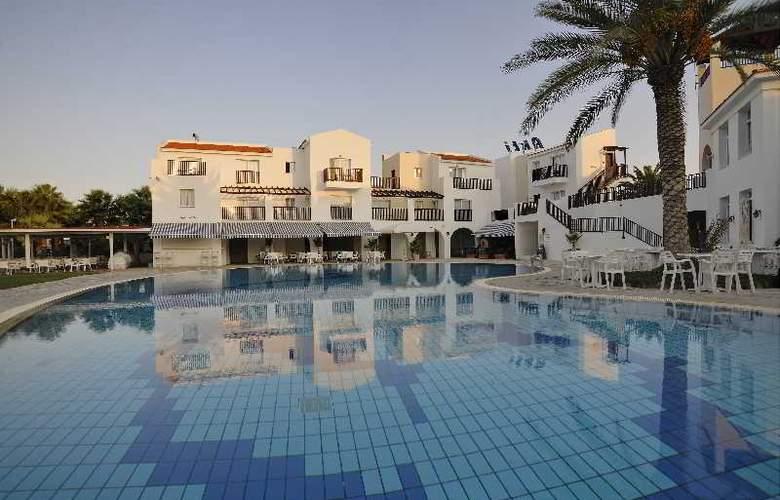 Akti Beach Village Resort - Pool - 30