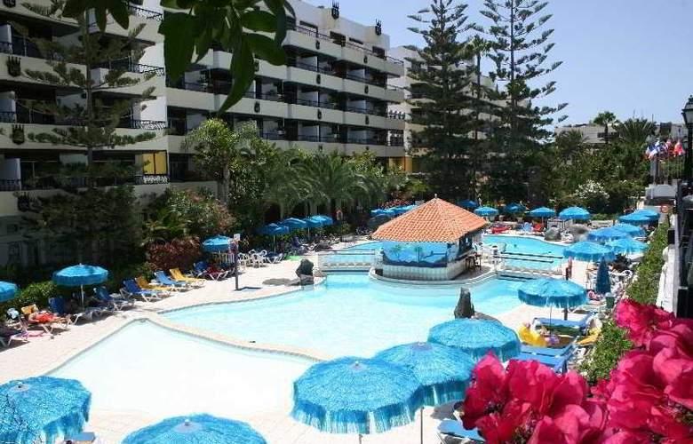 Rey Carlos - Pool - 5