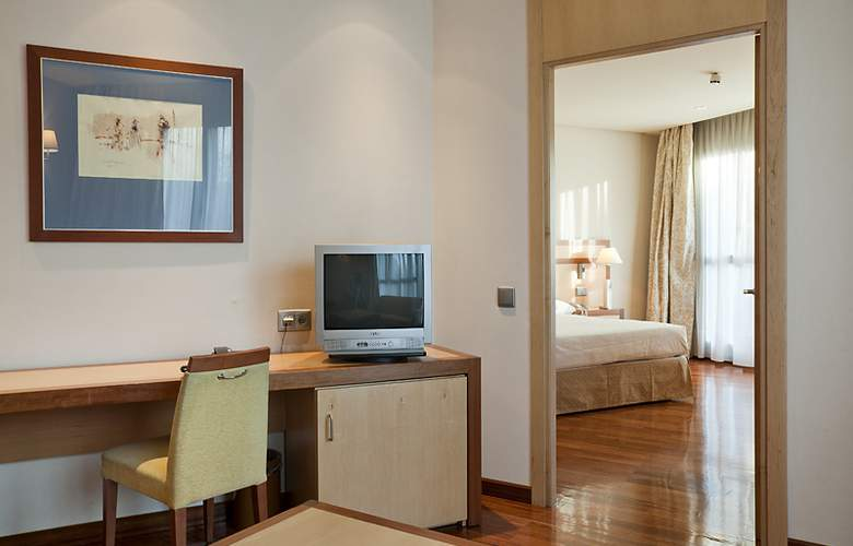 Ilunion Alcala Norte - Room - 11