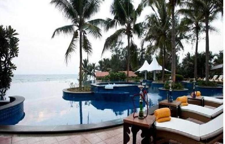 Radisson Resort Temple Bay Mamallapuram - Pool - 9
