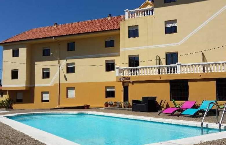 Azcona - Pool - 21