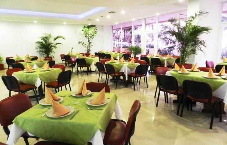 El Dorado Plaza - Restaurant - 7