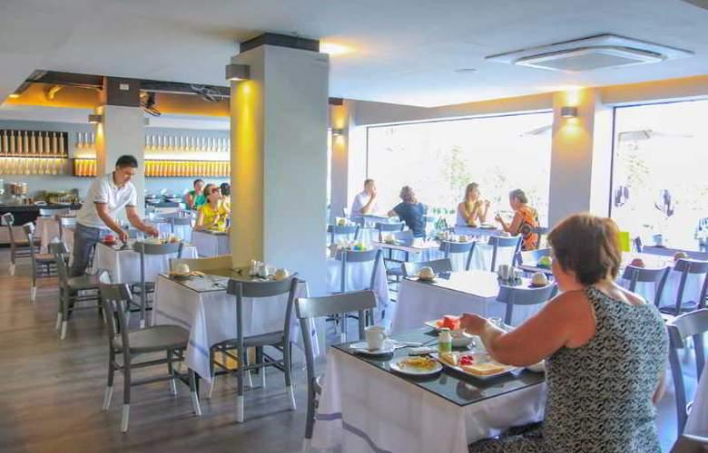 Sugar Palm Karon Resort - Restaurant - 25