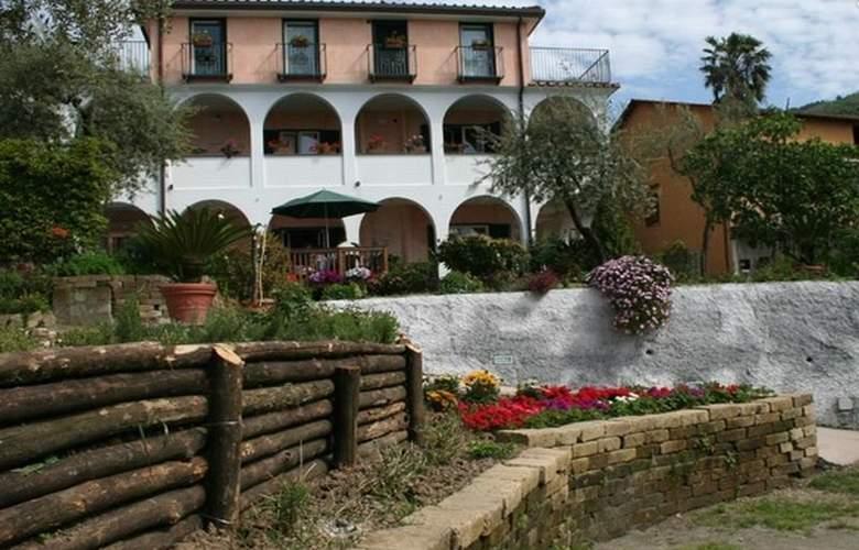 Villa Pane Resort - Hotel - 1