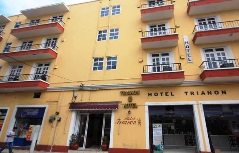 Trianon - Hotel - 0