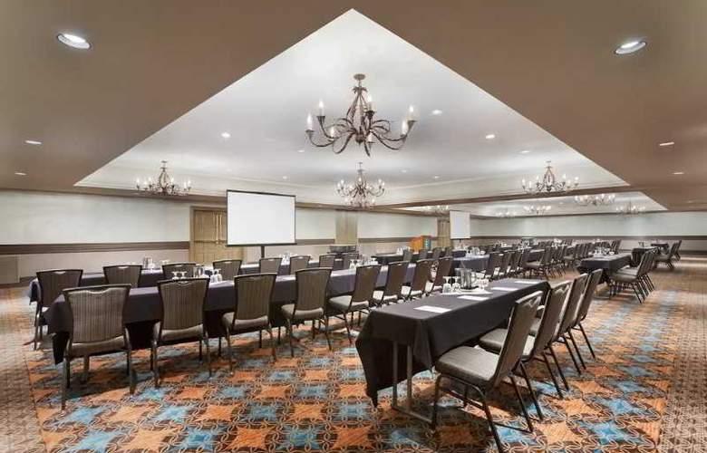 Embassy Suites Mandalay Beach Hotel & Resort - Conference - 8