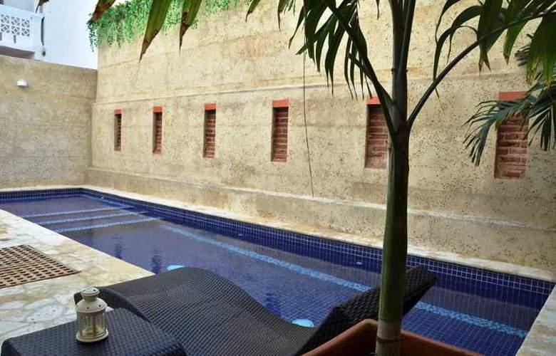 Badillo Hotel Galeria - Pool - 10