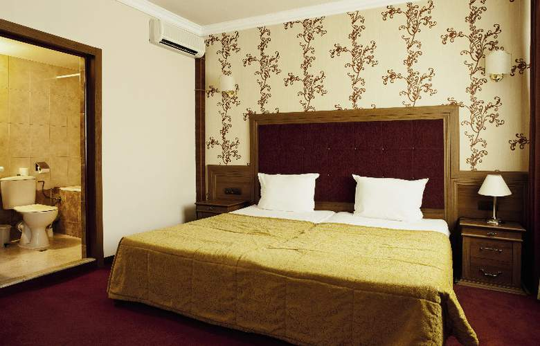 Star Hotel - Room - 2