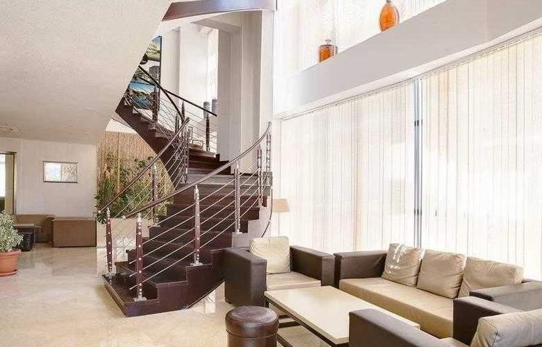 Best Western Plus Liberte Hotel - Hotel - 19