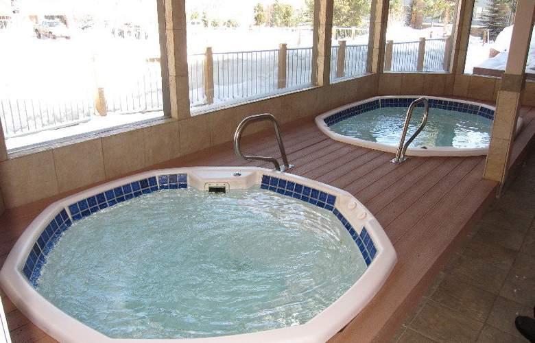 Sawmill Creek Condos - Pool - 2