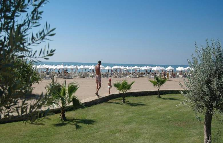 Barut Hotels Lara Resort Spa & Suites - Beach - 8