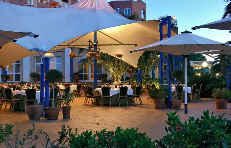 Oliva Nova Beach & Golf Resort - Terrace - 9