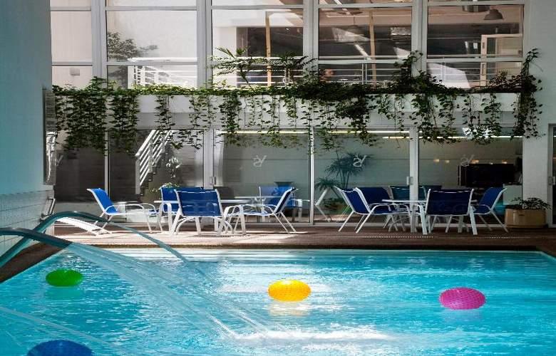 Novotel Santiago Vitacura - Pool - 21