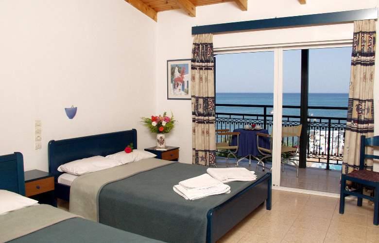 Denise Hotel - Room - 1