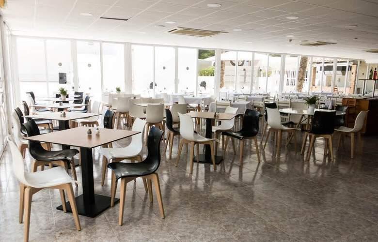 Globales Cala Bona Suites - Restaurant - 14