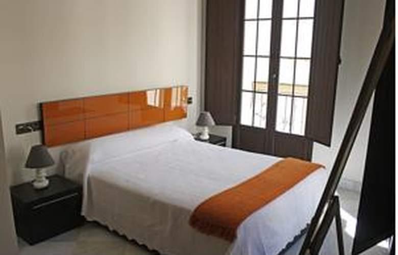 Living-Sevilla Apartments Lumbreras - Room - 4