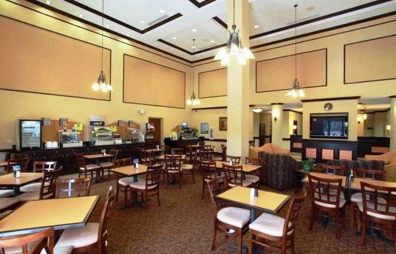Holiday Inn Express & Suites - Busch Gardens USF - Restaurant - 4
