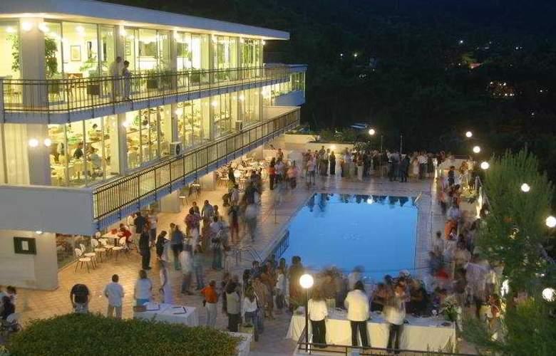 Del Faro Pugnochiuso Resort - Pool - 2