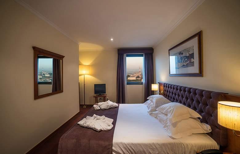 Vila Gale Porto - Room - 9