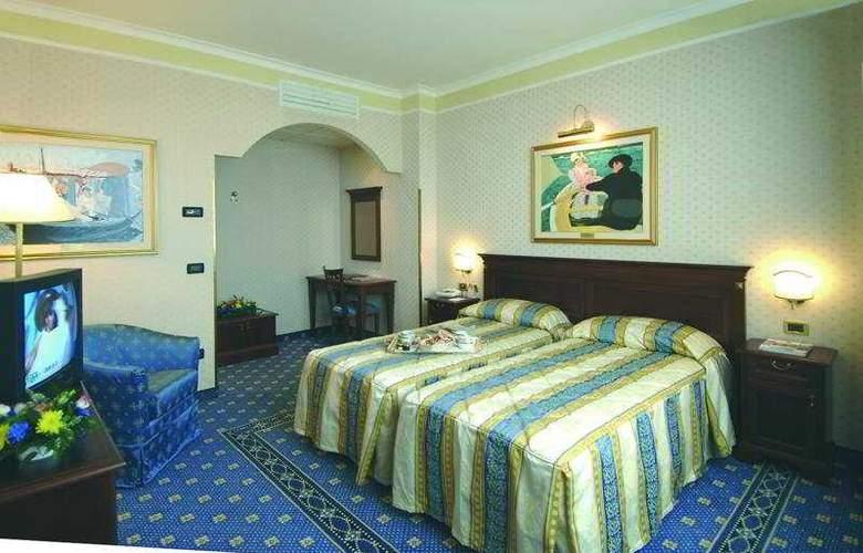 Premier Classic - Room - 2