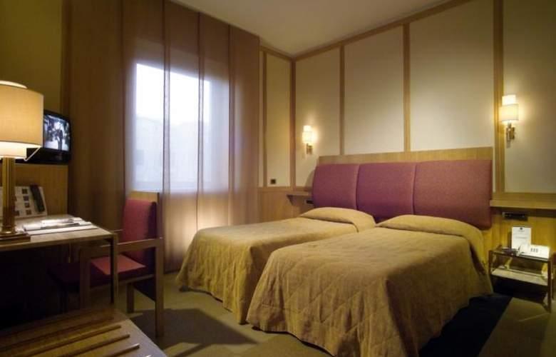 President - Room - 57