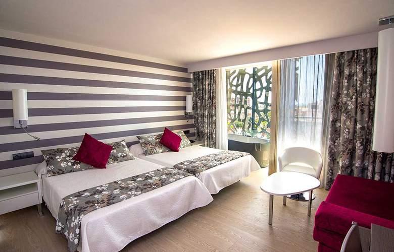 RH Vinaros Aura - Room - 2