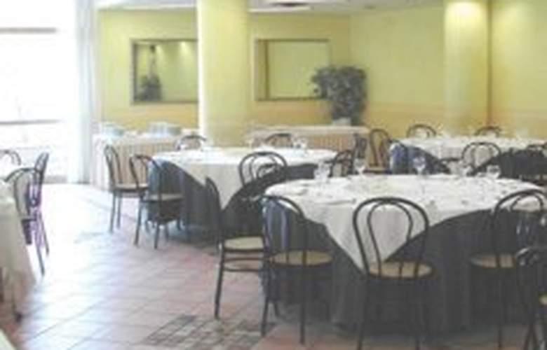 Hotel Della Torre - Restaurant - 4