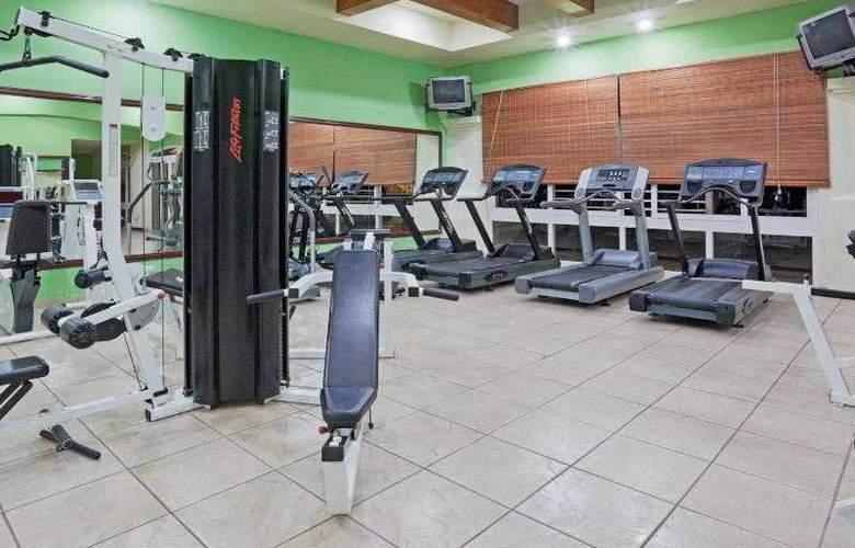 Crowne Plaza San Salvador - Sport - 38